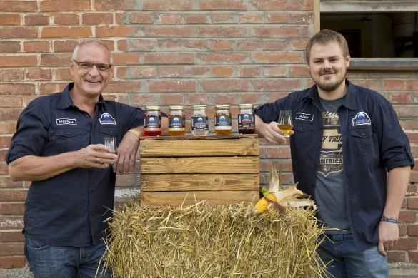 Bavarian Moonshine Markus und Alexander Schnell Bild