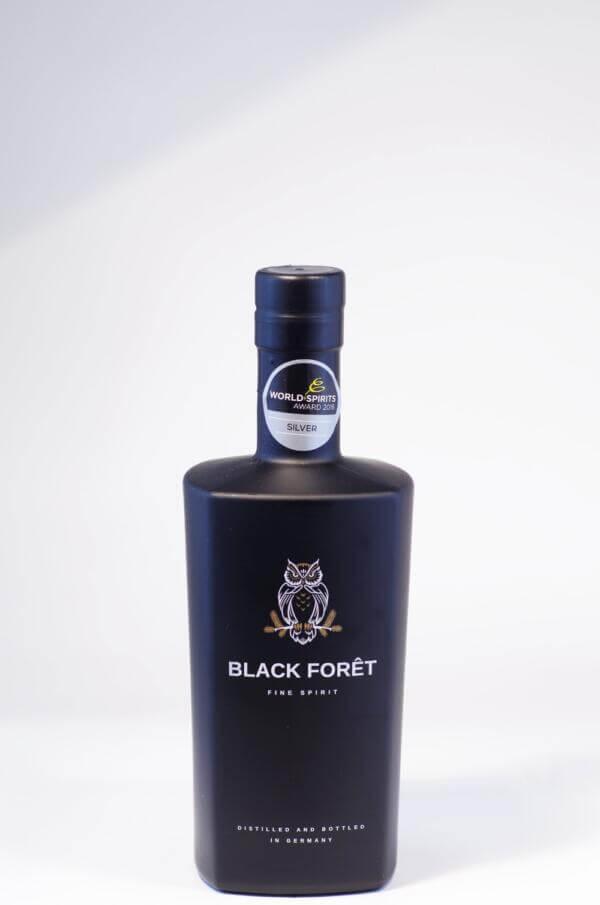 Destillerie Kammer-Kirsch Black Forêt Fine Spirit Bild