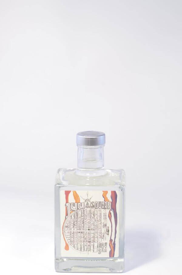 144 Square Gin Bild